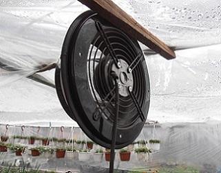 Обладнуємо теплицю вентиляторами для циркуляції повітря