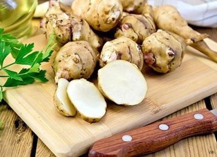 Земляна груша (топінамбур) також має лікувальні властивості.